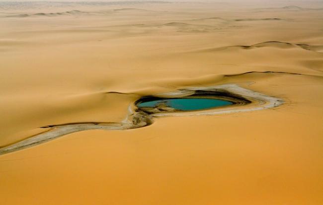 air-niger-sakhara-pustynia-afrika-voda-oazis
