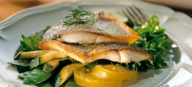 рыба налим на сковороде