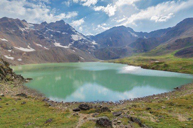 chistaya-prirodnaya-voda.jpg