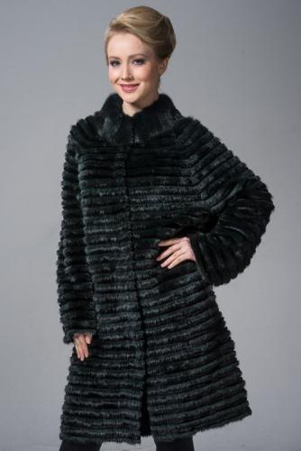 chernoe-trikotazhnoe-palto.jpg