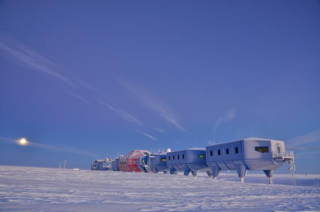antarktika_station.jpg