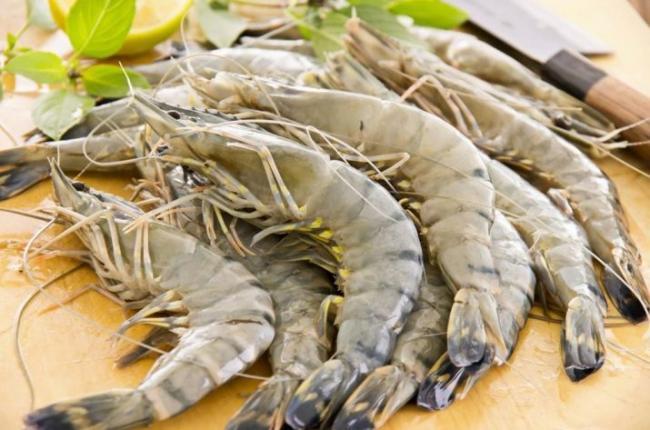 tigrovye-krevetki-kak-vyglyadyat-sostav-i-recepty-blyud-3.jpg